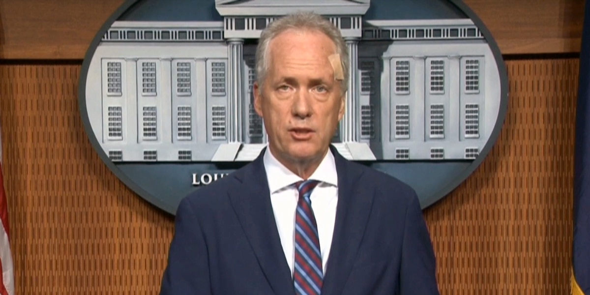 Mayor Fischer calls for more police reform to help with accountability, transparency