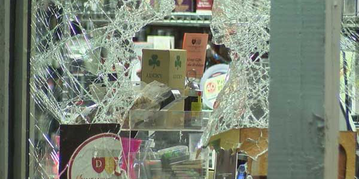 Suspect arrested in liquor store smash n' grab