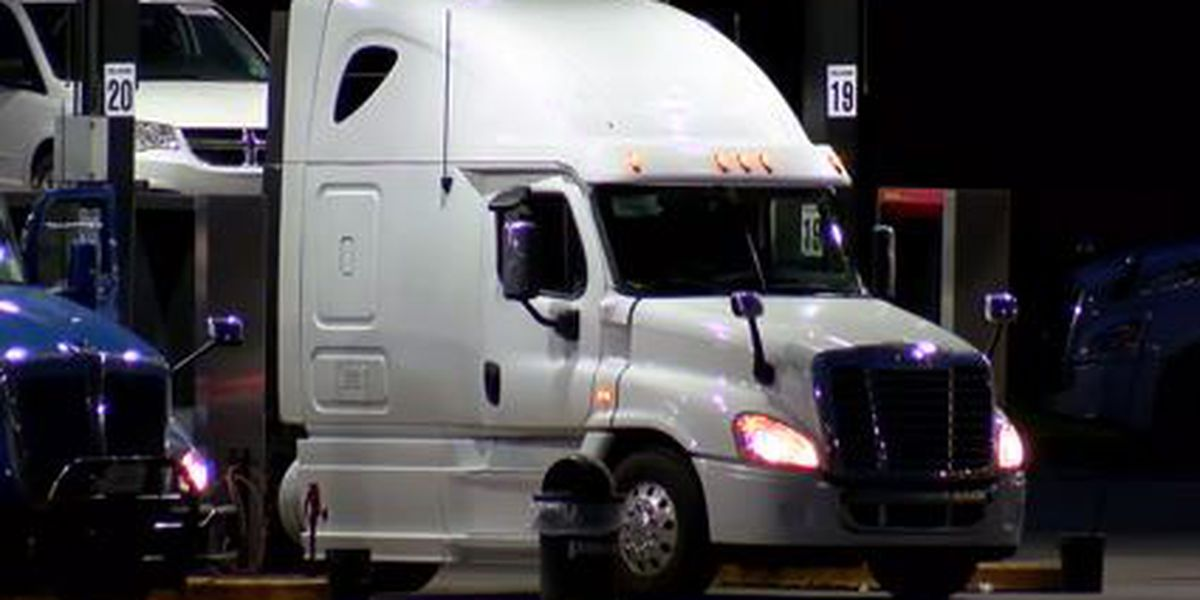 Truck drivers facing new challenges during pandemic: 'We have to be out here'