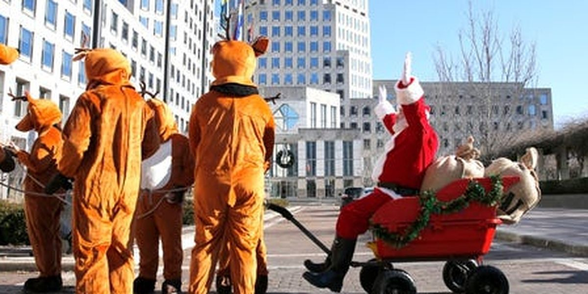 'Santa Claus' arrested at P&G toilet paper protest