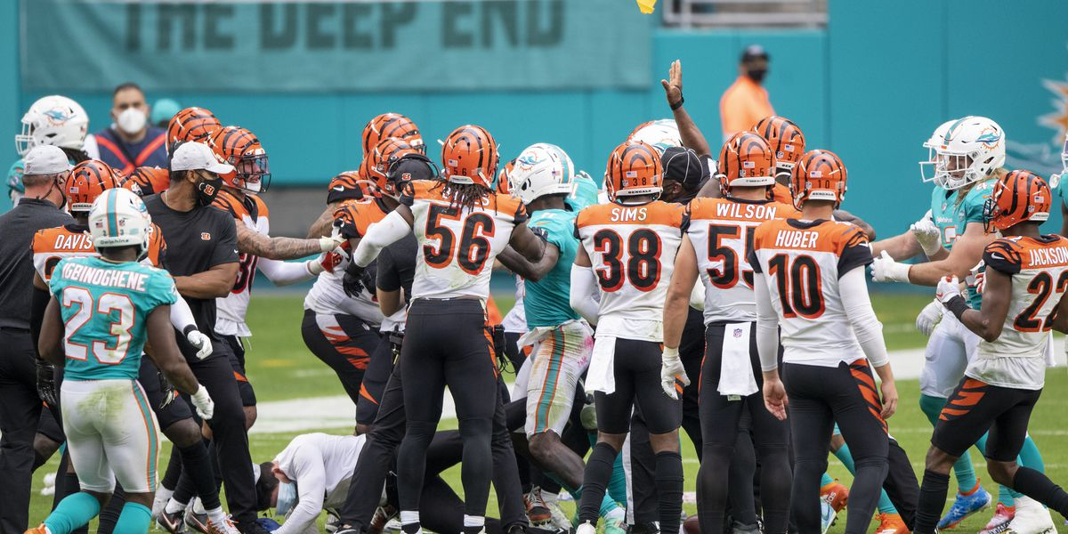 5 players ejected in Bengals loss at Miami