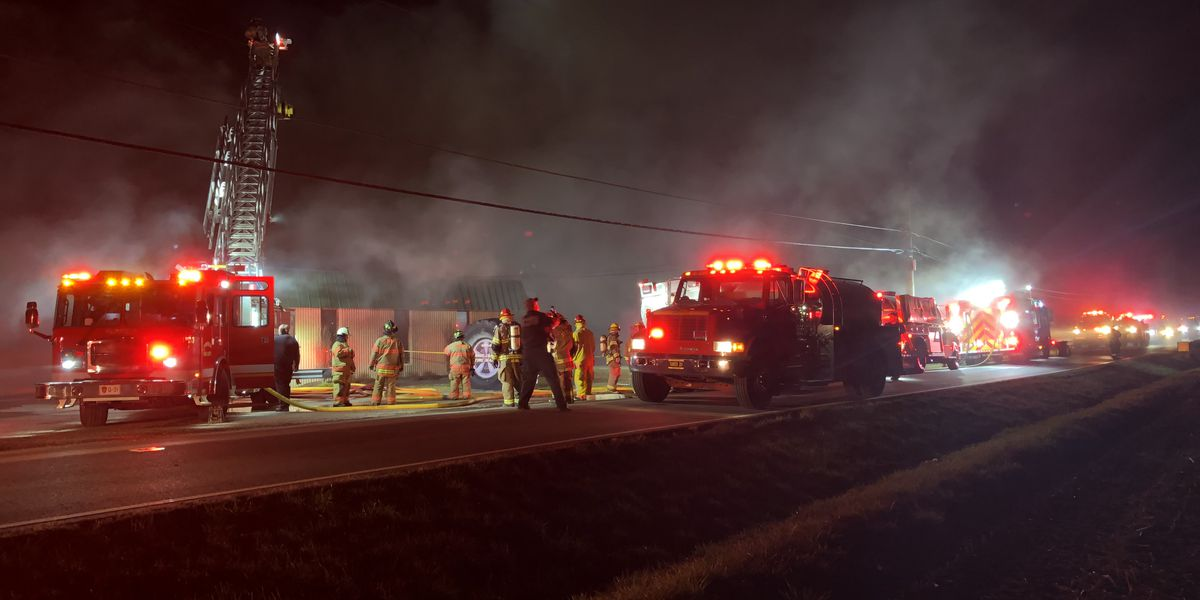 Fire crews battling blaze at tire dealer in Butler County