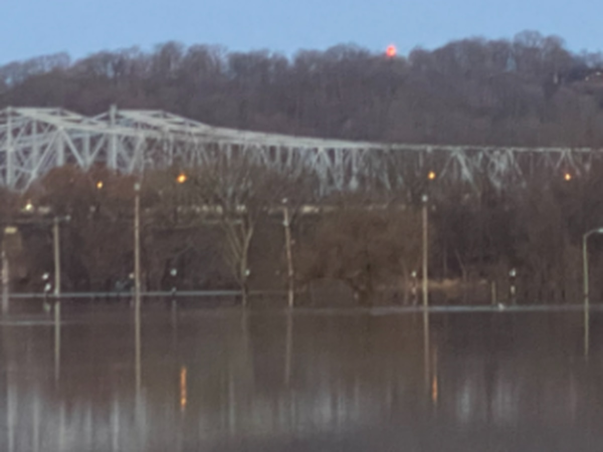 Ohio River cresting in Cincinnati