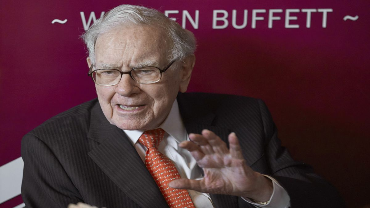 Warren Buffett buys $500M stake in Kroger
