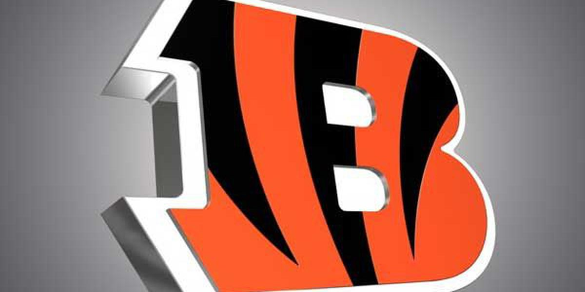 Bengals cut Willis, sign veteran LB