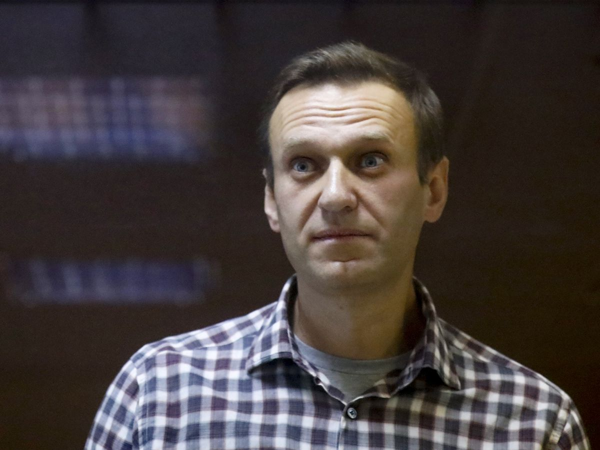 Putin foe Navalny sent to prison hospital amid hunger strike