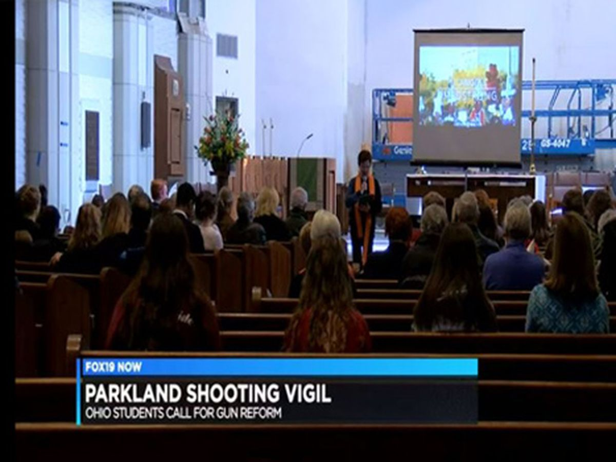 Ohio students hold vigil in remembrance of the Parkland shooting