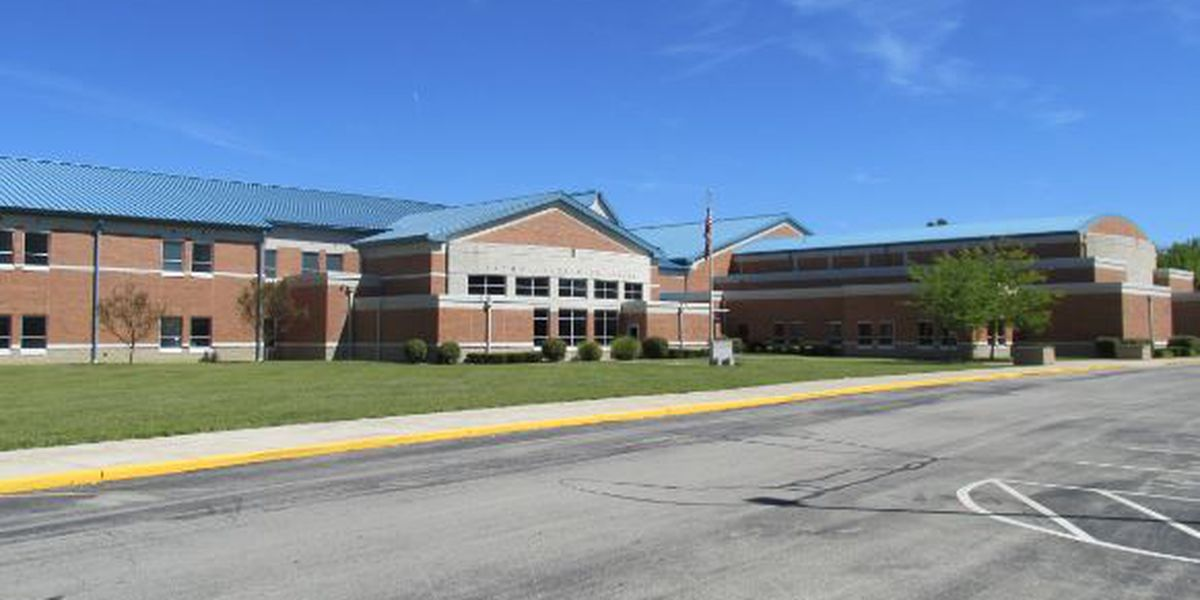 2 students arrested after bomb threat at Bethel-Tate High School