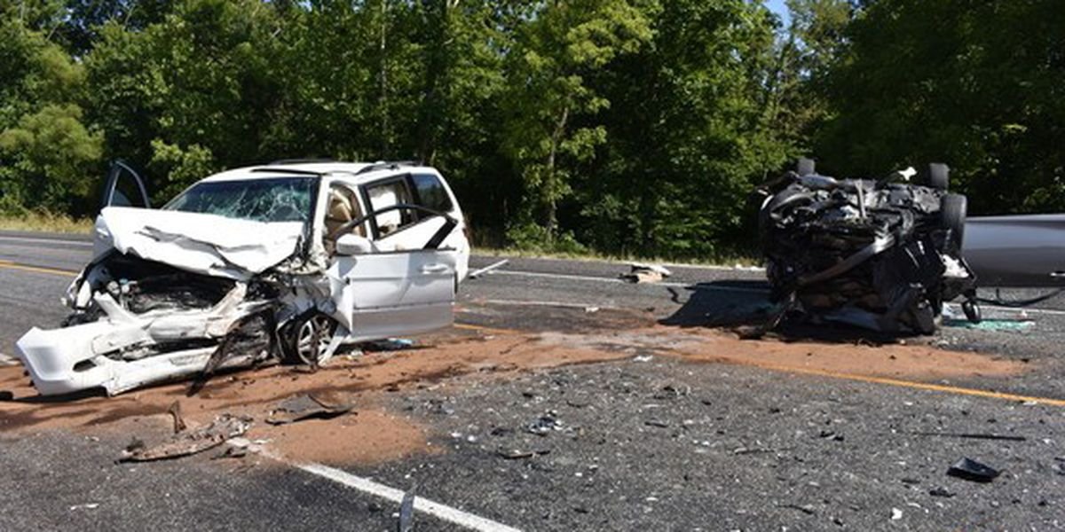 Head-on crash in Decatur Co  leaves 1 dead, 2 injured