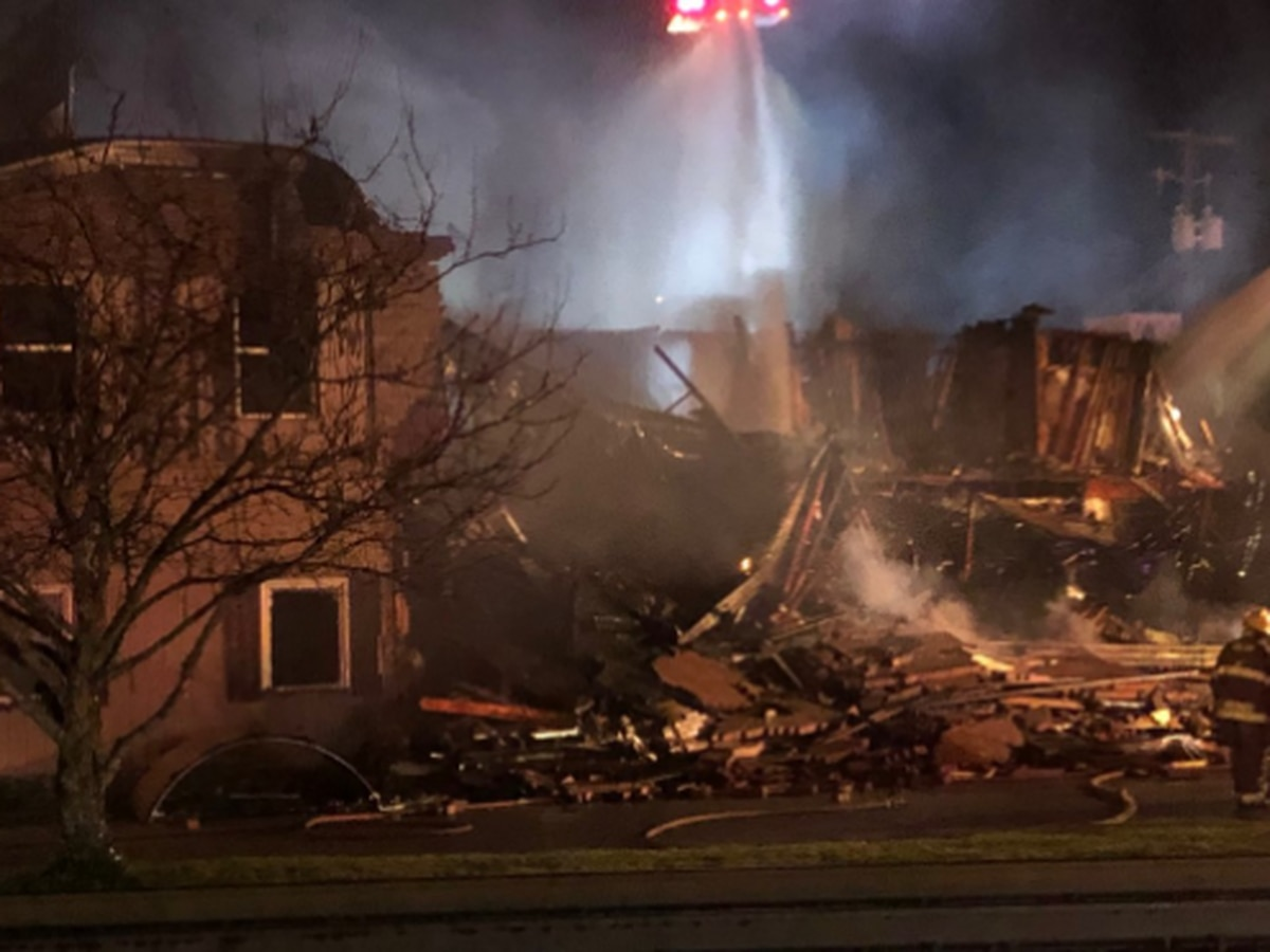 Fire destroys restaurant where Bengals fan slept on roof 57 days until team won
