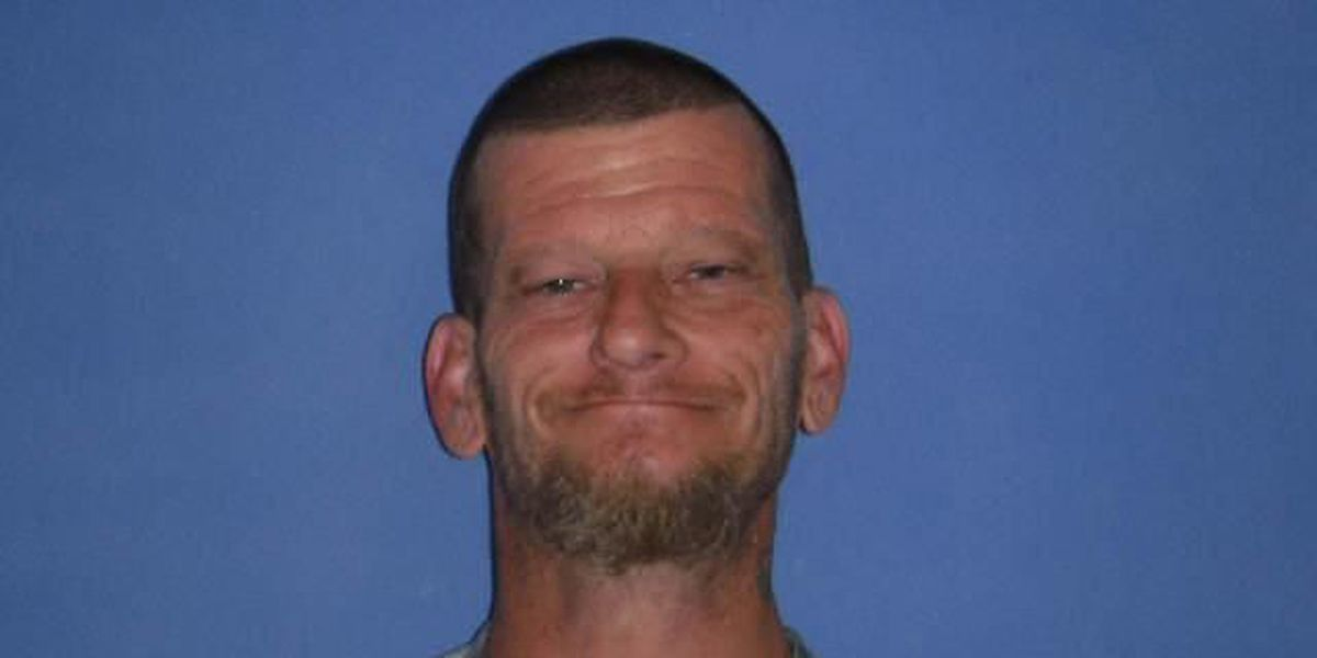 Police: Man found with stolen items from Georgetown church