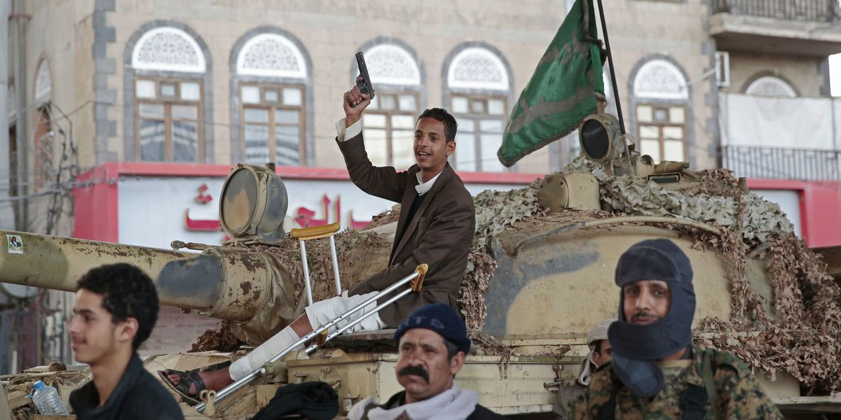Yemen rebel leader meets UN envoy amid clashes in port city