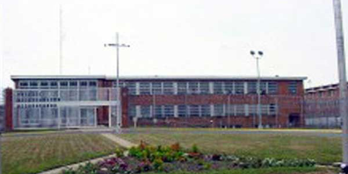 Inmate dies in fight at Lebanon prison