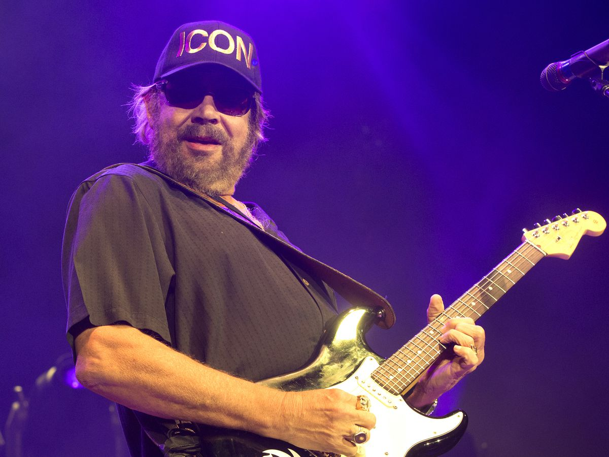 Hank Williams Jr., Marty Stuart to join Country Music Hall of Fame