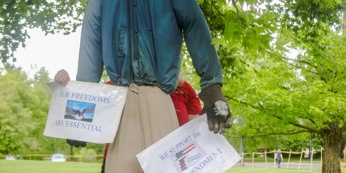 Governor Beshear hanged in effigy at 2nd amendment protest at capitol