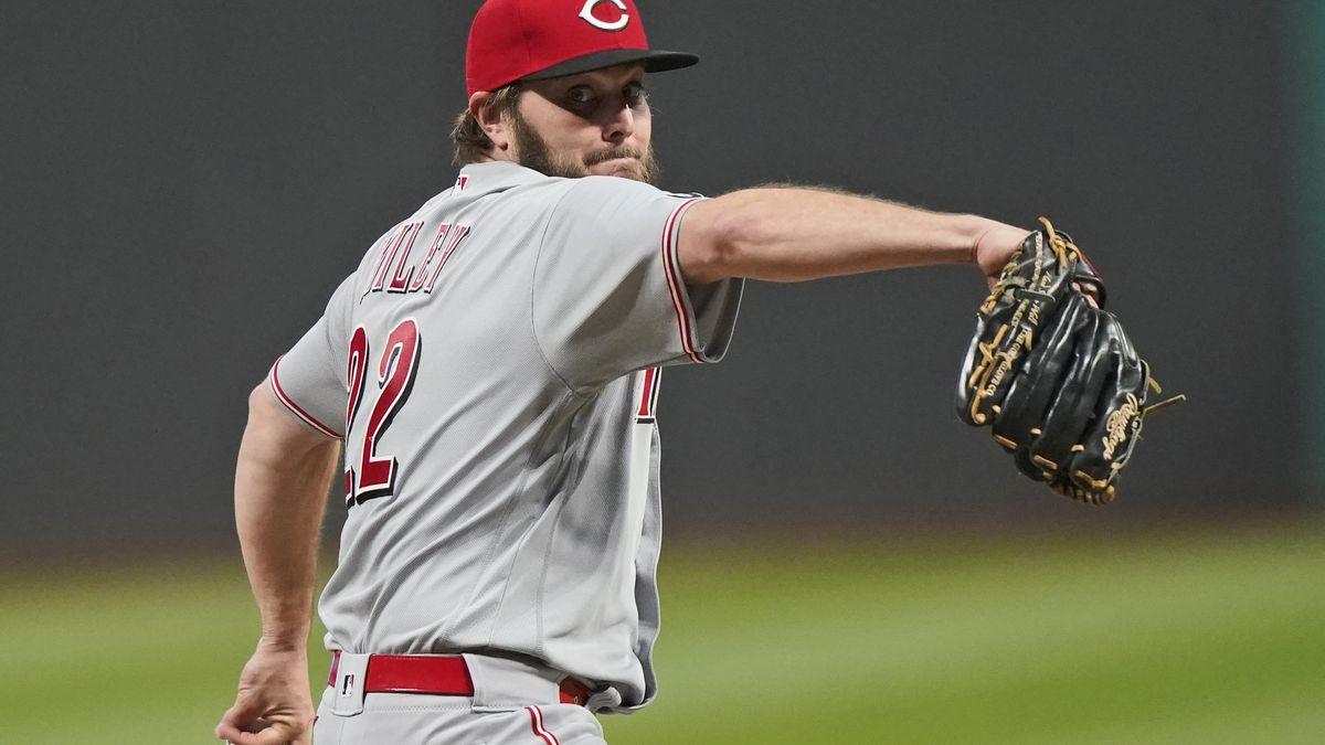 Wade Miley throws 17th no-hitter in Cincinnati Reds history