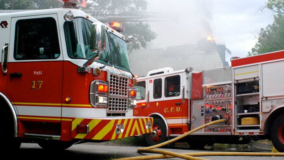 Crews investigate cause of Hyde Park house fire