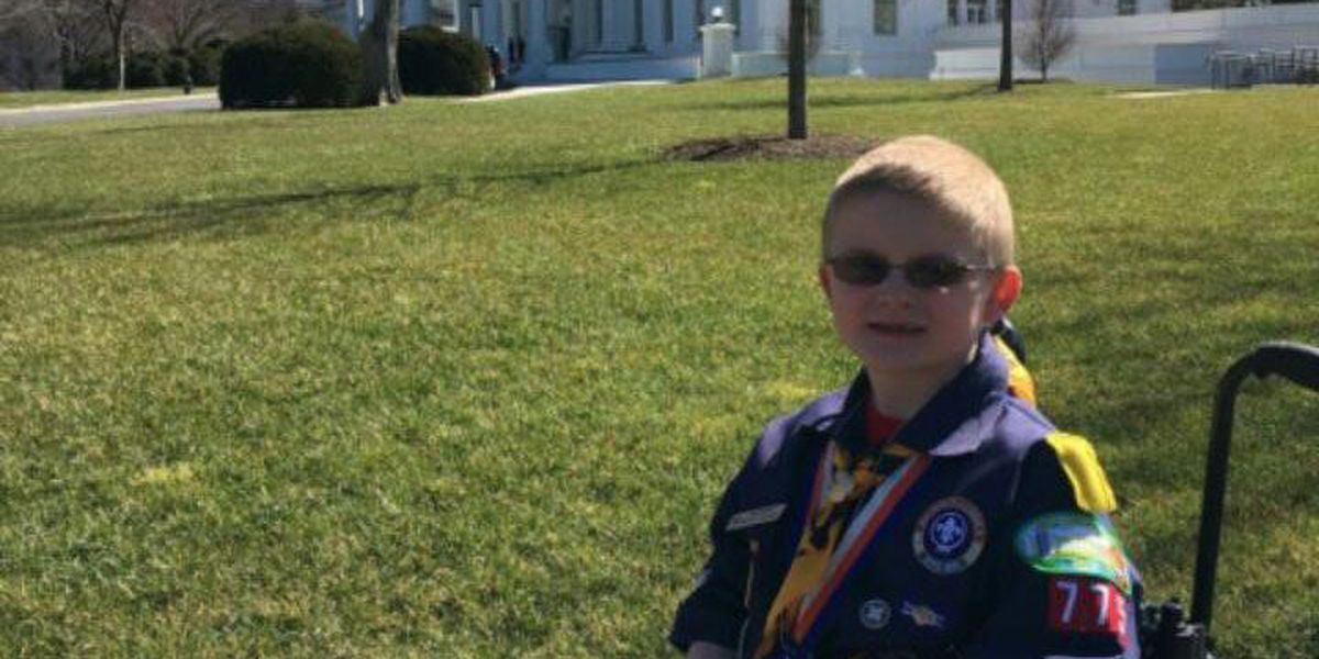 NKY Cub Scout delivers Scouting report to President Obama