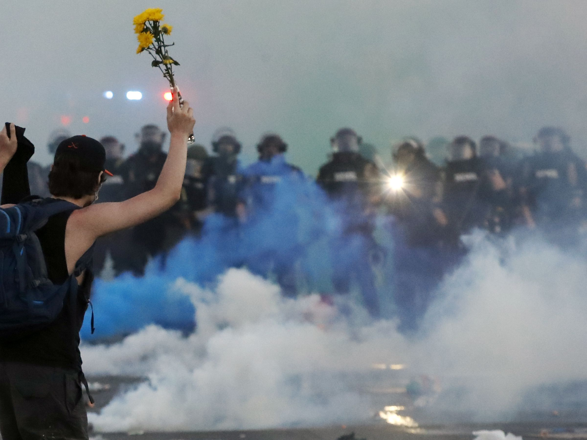 GRAPHIC: Unrest overshadows peaceful US protests for another night