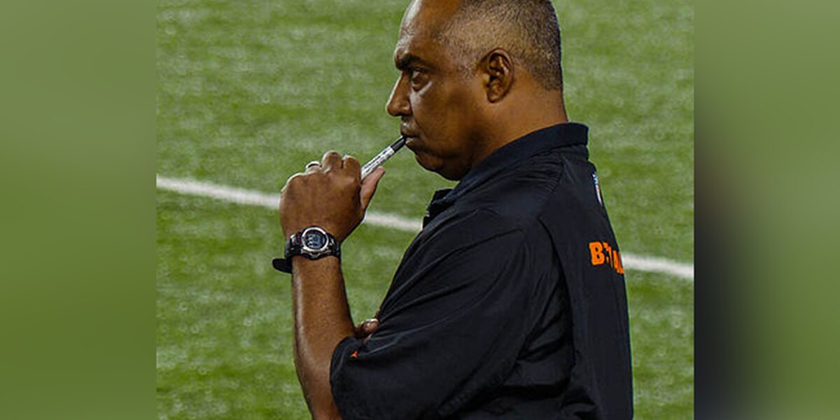 Bengals head coach Marvin Lewis warns team of more changes if they don't win