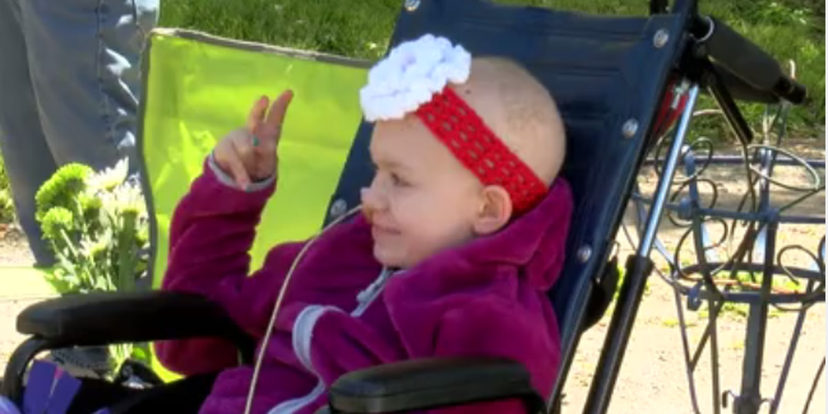 Lights, sirens, gifts: 9-year-old girl with brain cancer gets birthday parade