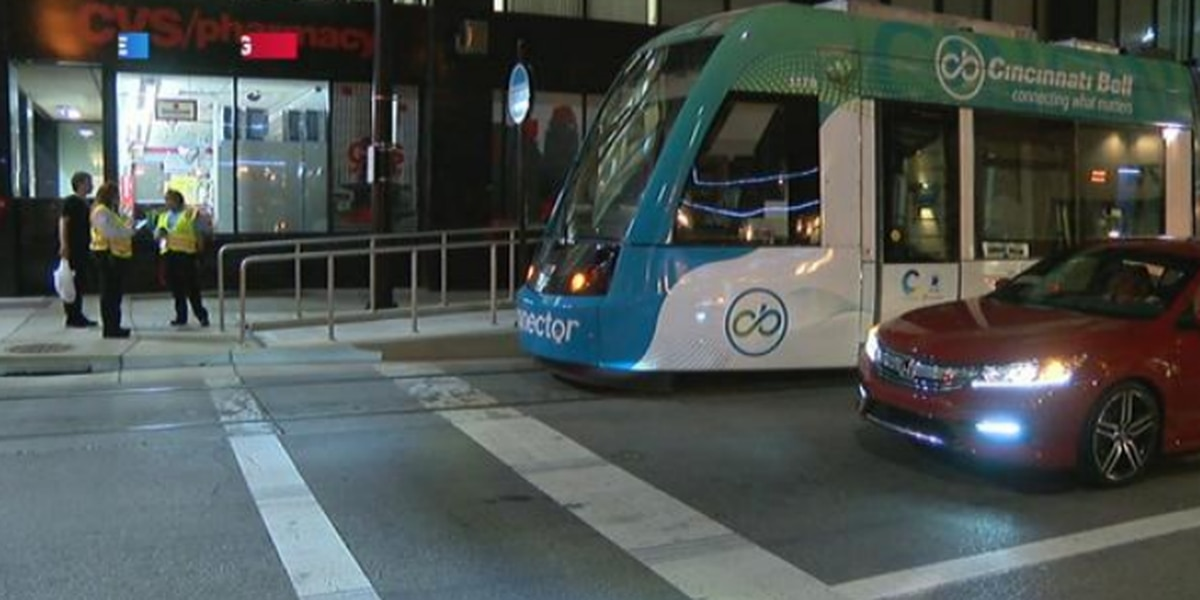 Friday night crash temporarily suspends streetcar service