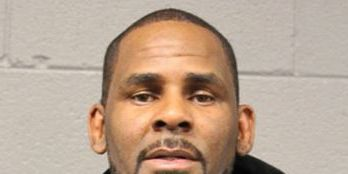 Prosecutors paint dark portrait of manipulative R. Kelly