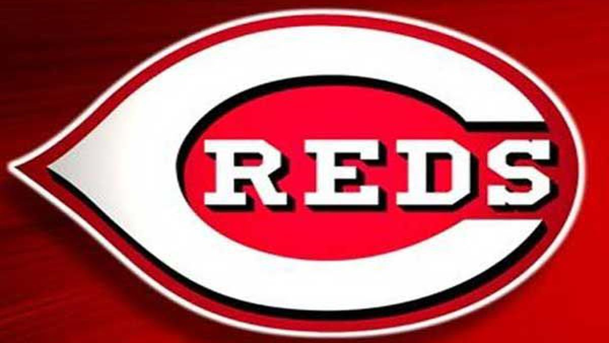 Reds drop series finale in San Diego