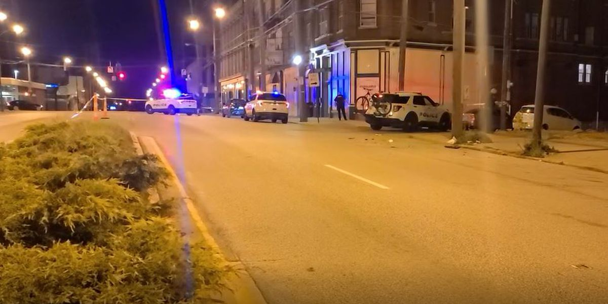 Police investigate triple shooting near Walnut Hills bar