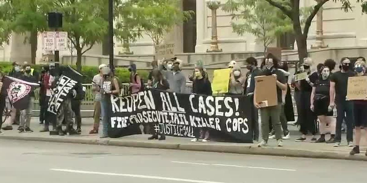 Protesters march in Downtown Cincinnati after Breonna Taylor decision: 'It's a disgrace'