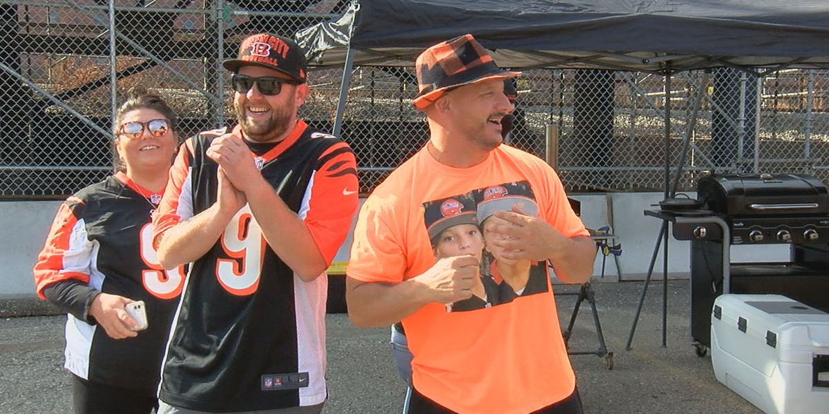 Bengals fans get back to tailgating and back into the stands