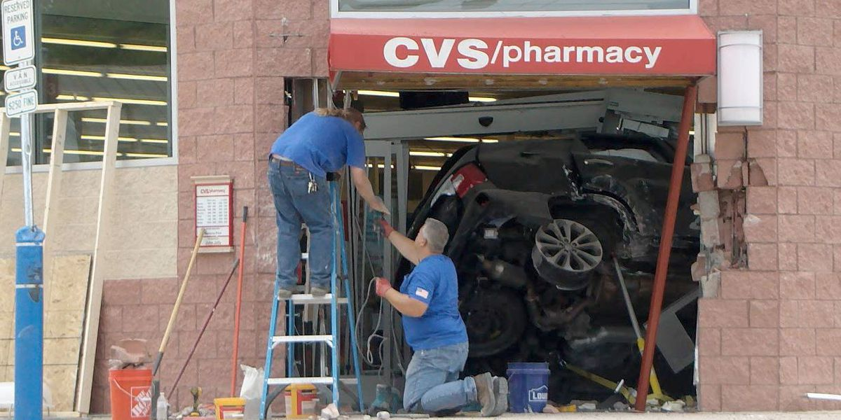 6 injured after car crashes into Wilmington CVS