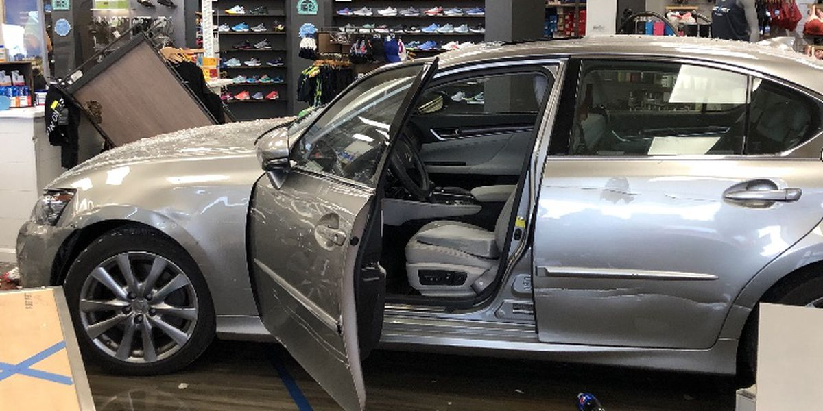 Car crashes into 2 storefronts in Blue Ash