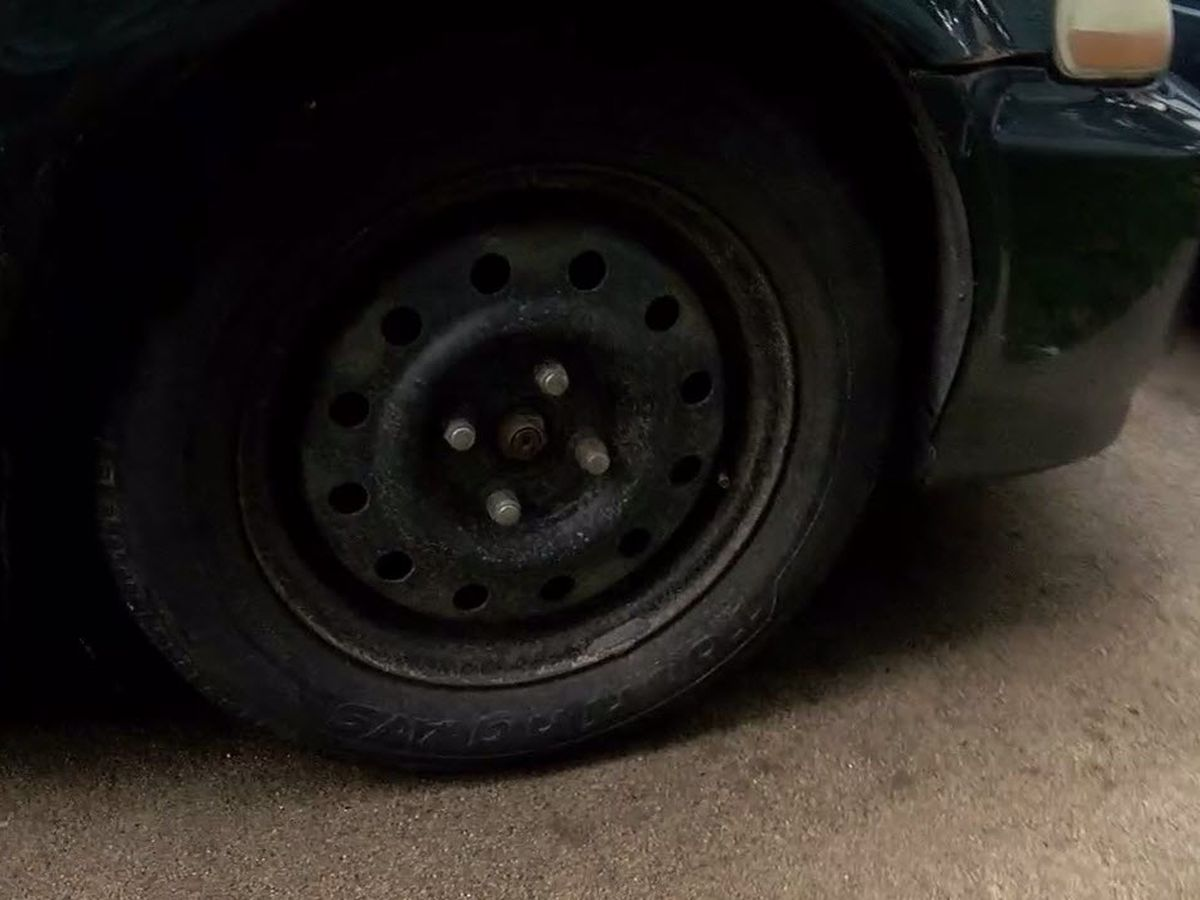 Is someone loosening people's lug nuts in Lockland?