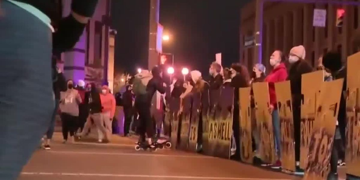 Protests in Columbus after reported fatal police shooting of teenage girl