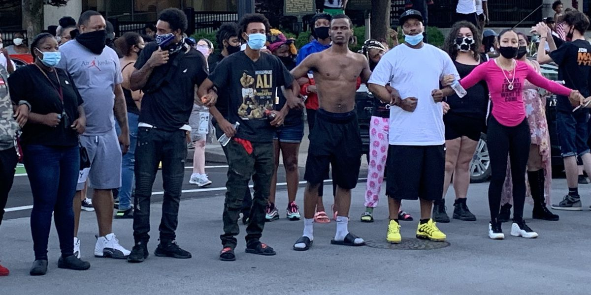 7 shot as Breonna Taylor supporters protest in downtown Louisville