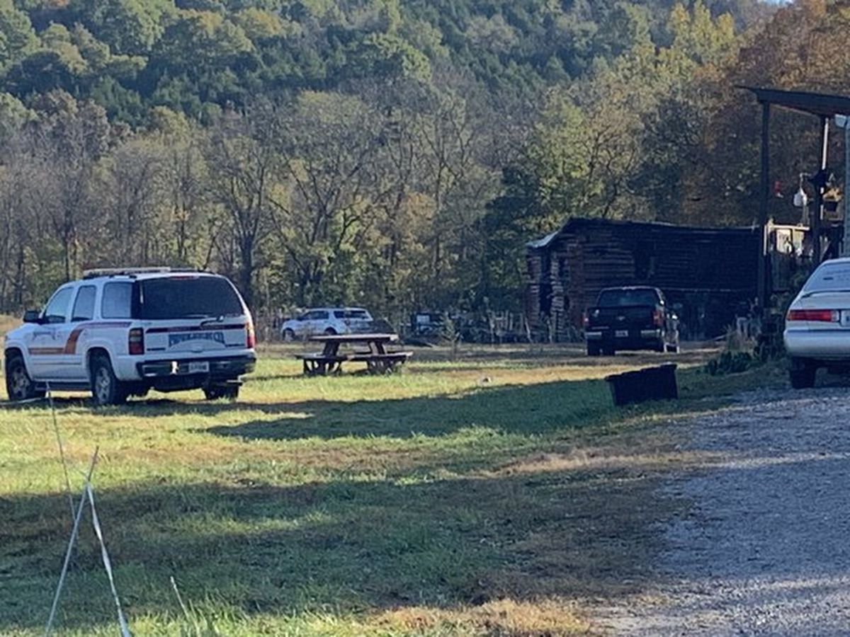 Father, 2 daughters found dead in barn after fire in Pendleton County