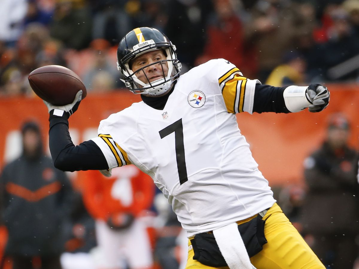 Ben Roethlisberger done for season with right elbow injury