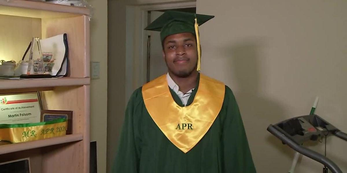 Homeless student in Florida graduates as valedictorian