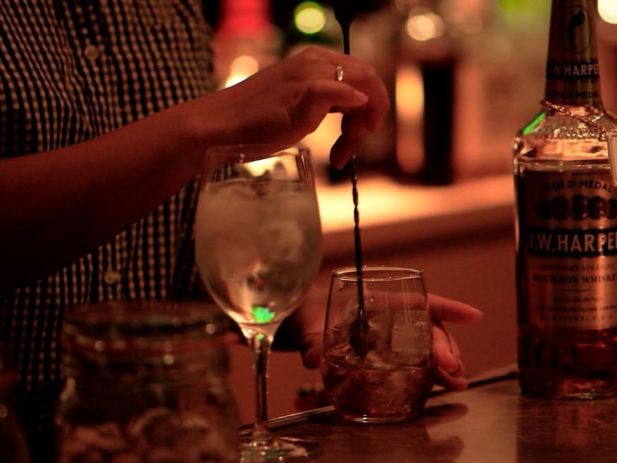 Alcohol ads encouraging youth to drink, study says