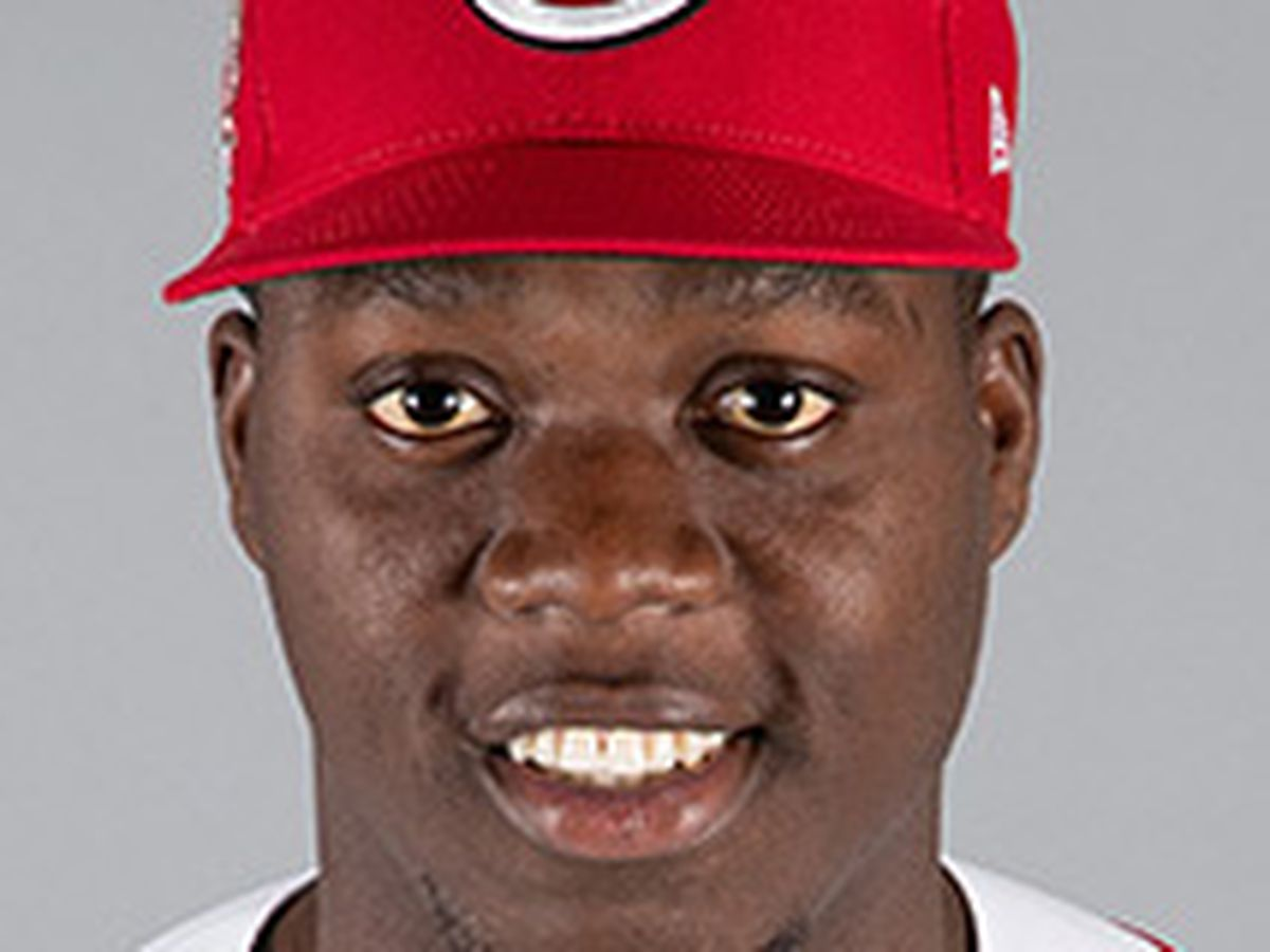 Aquino homers again in Reds win
