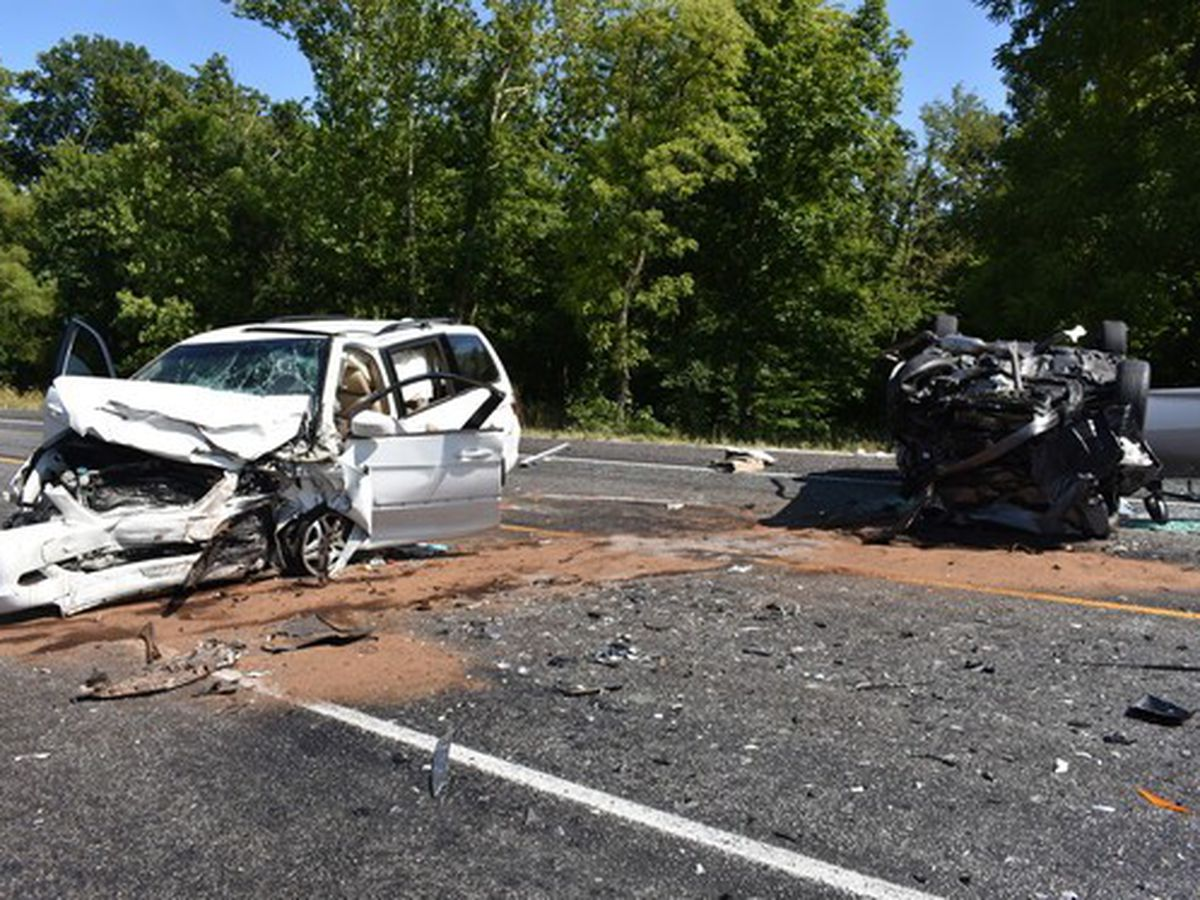 1 dead, 2 injured in head-on crash in Decatur Co., Ind.