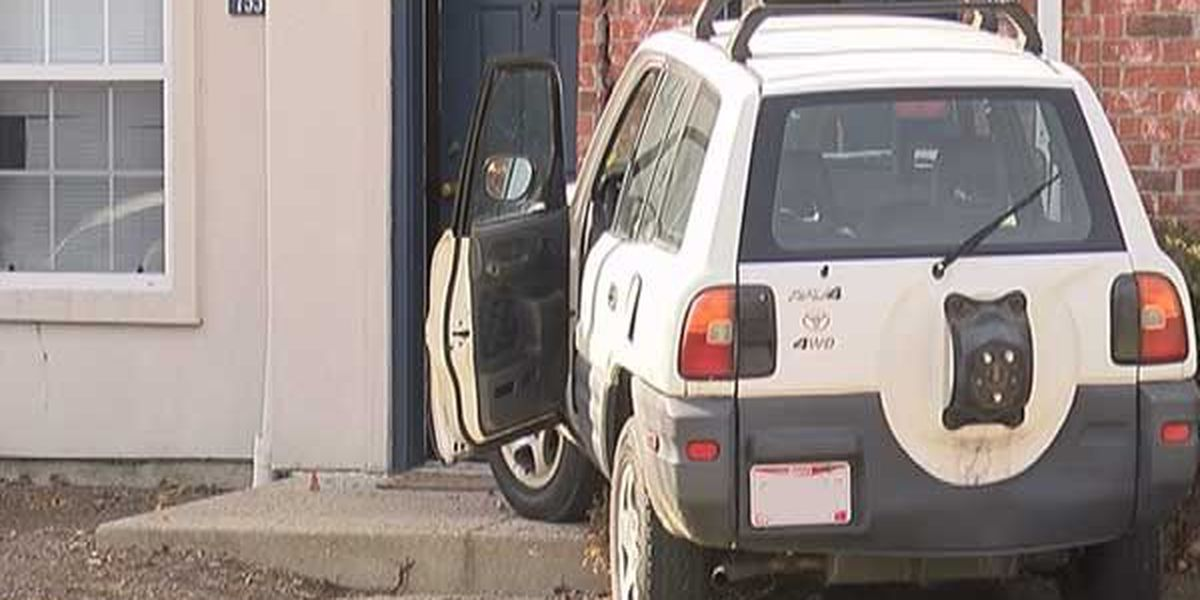 SUV crashes into Fairfield Township townhouse
