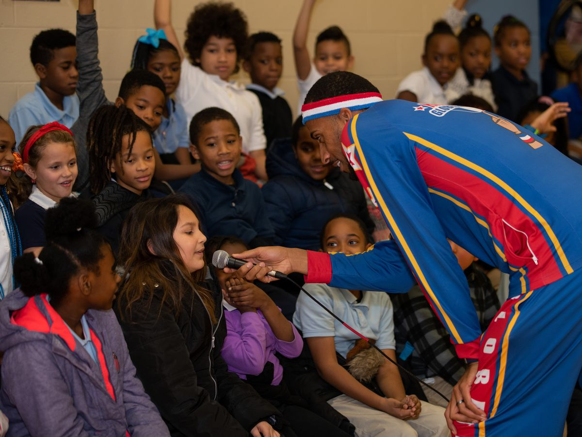 Harlem Globetrotters stop in Cincinnati to talk to students about bullying