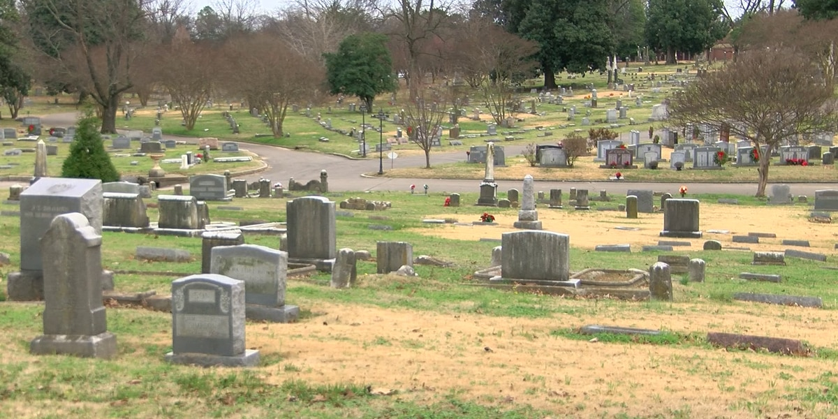 Woman robbed at gunpoint while visiting her mother's grave