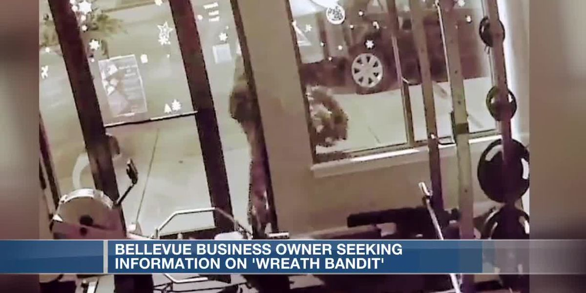 Christmas wreath thief in Bellevue