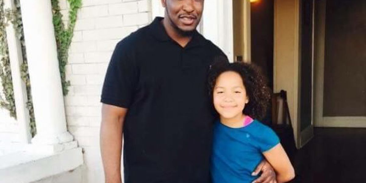 Aunt: Father said he saw 'gun to his daughter's head'