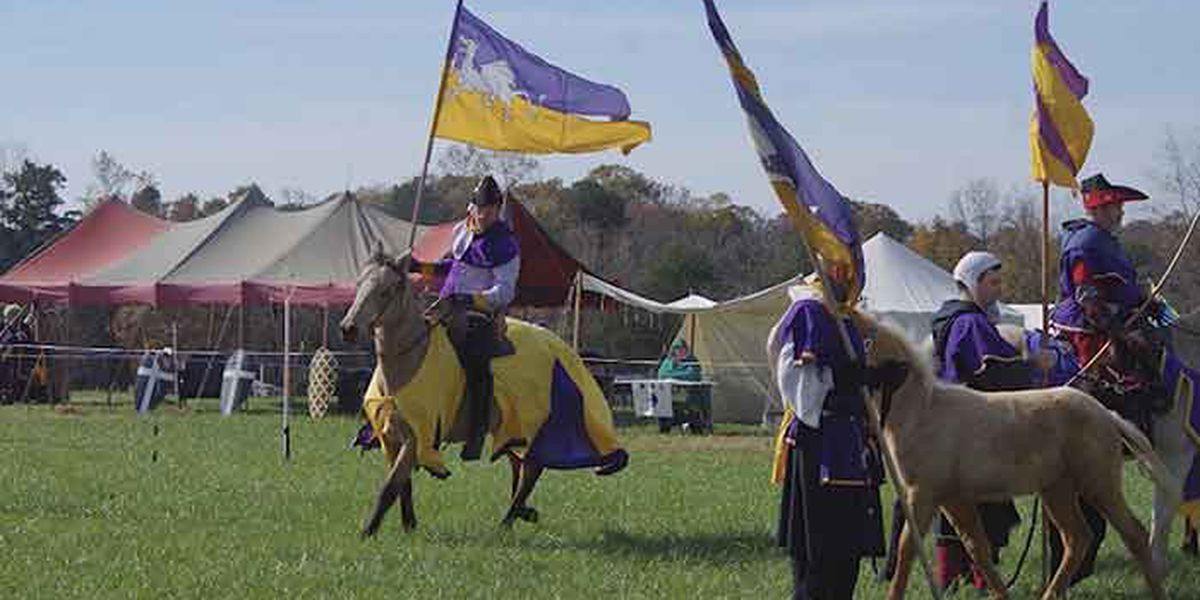 Man tries to spear paper plate at Kentucky Medieval reenactment, kills himself