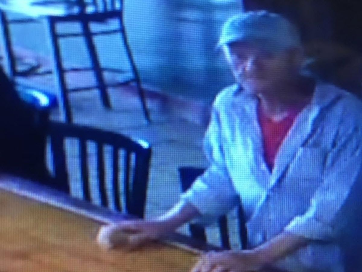 Bakery owner says man offered to clean windows, stole $30K, asked for $30 for the windows, left to buy a beer next door