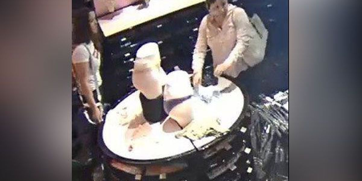 Police: Victoria's Secret panty thieves make off with $6K worth of underwear